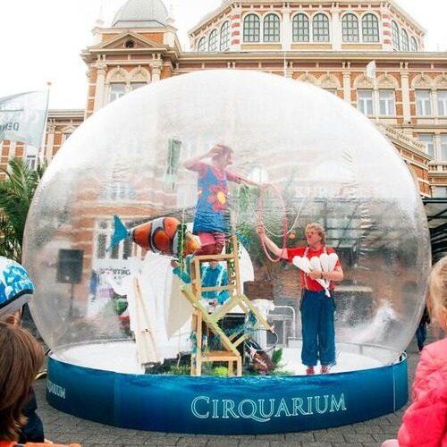 img-grid-circus-globe